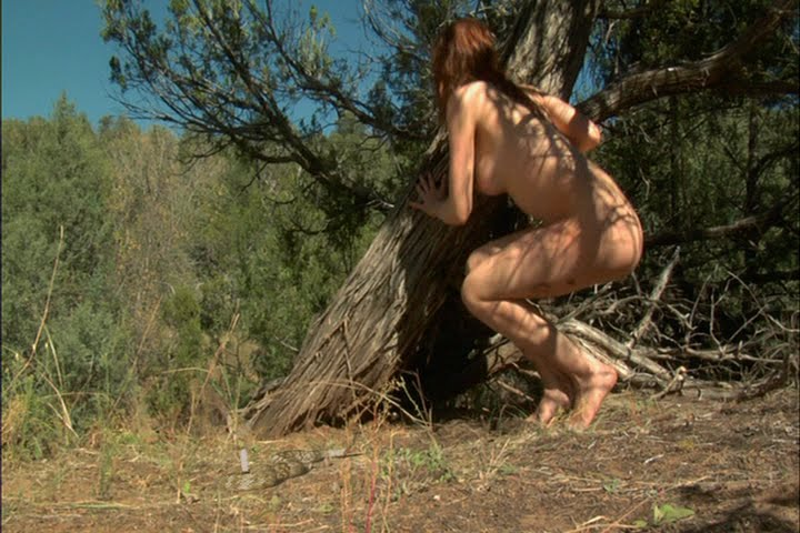 Velika igra Hunter Stalks Strippers In Naked Fear Best-2306