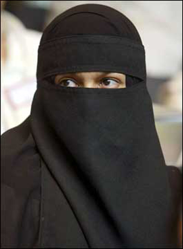 [Image: bigger-burqa_edited-1.jpg]