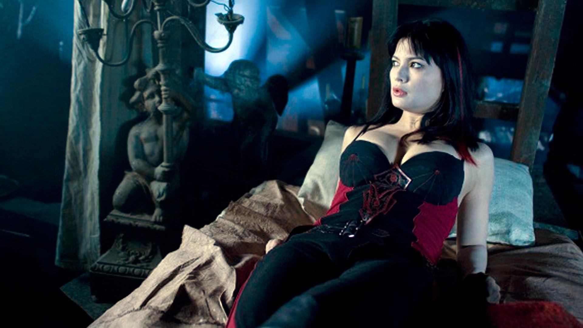 kiss lesbian Bloody vampire